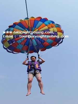 Parasailing at TREE Islands in Pattaya