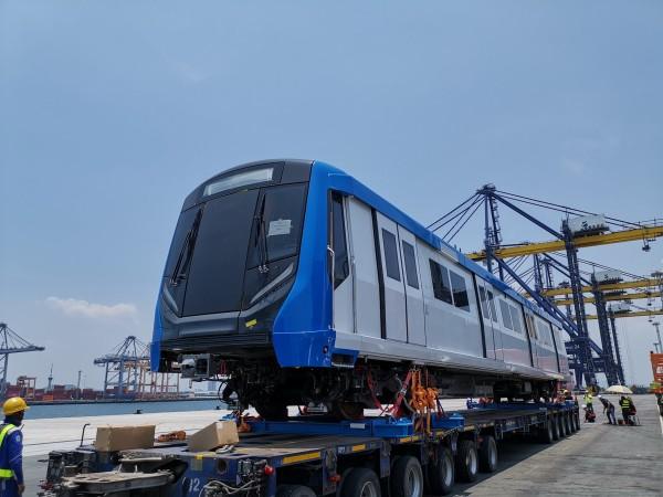 'รฟม.-BEM' แจ้งรถไฟฟ้าขบวนใหม่ถึงไทย เตรียมเปิดสายสีน้ำเงินส่วนต่อขยาย