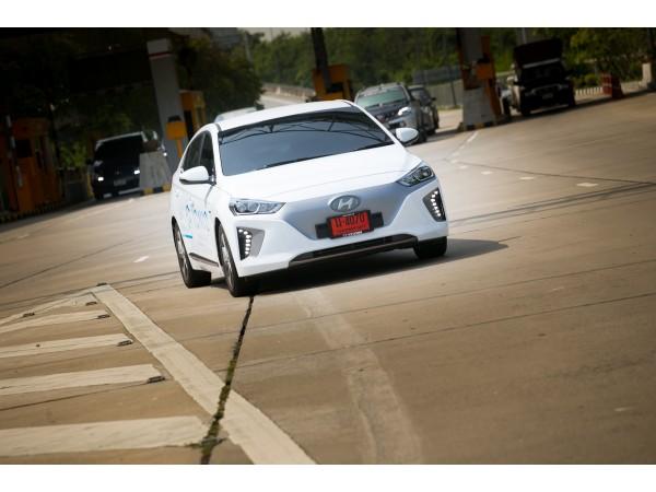 ทดลองขับ Hyundai IONIQ Electric รถยนต์พลังงานไฟฟ้าที่ได้รับรางวัลมากมายและได้รับความนิยมจากทั่วโลก