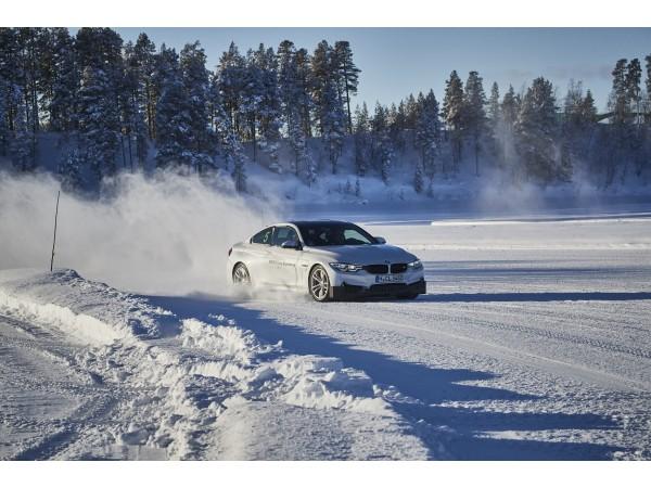 Arjeplog สวรรค์ของนักขับ ทริปสุดพิเศษเฉพาะชาว BMW