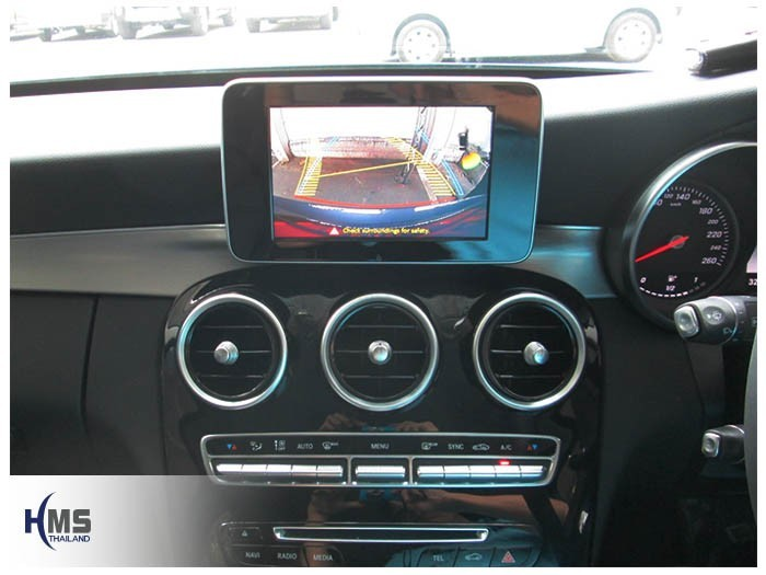 20150706 Mercedes Benz C200 W205_Rear camera_View