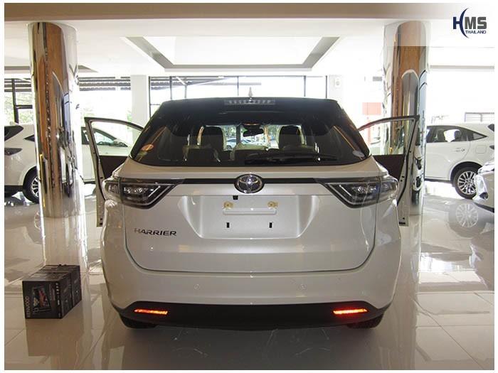 20150331 Toyota Harrier_back