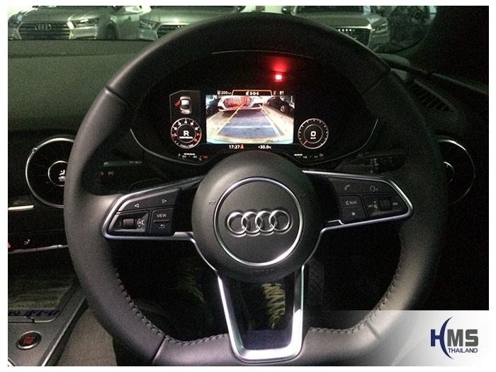 20180914 Audi TT Rear camera View,ภาพจากกล้องถอยบนจอ Audi TT พร้อมเส้นนำถอยเลี้ยวได้ตามการหมุนของพวงมาลัยรถ