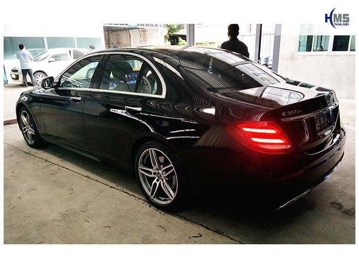 20170928_Mercedes Benz_E350e_W213_back