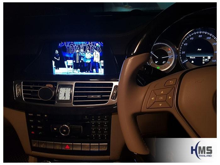 20180905 Mercedes Benz CLS350_W218_TV Digital_ASUKA_HR600_TV,ภาพทีวีดิจิตอล จากจูนเนอร์ทีวี ASUKA HR600 บนหน้าจอรถ Mercedes Benz CLS350