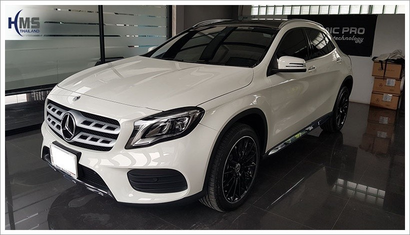 20171005 Mercedes Benz GLA250_X156_back