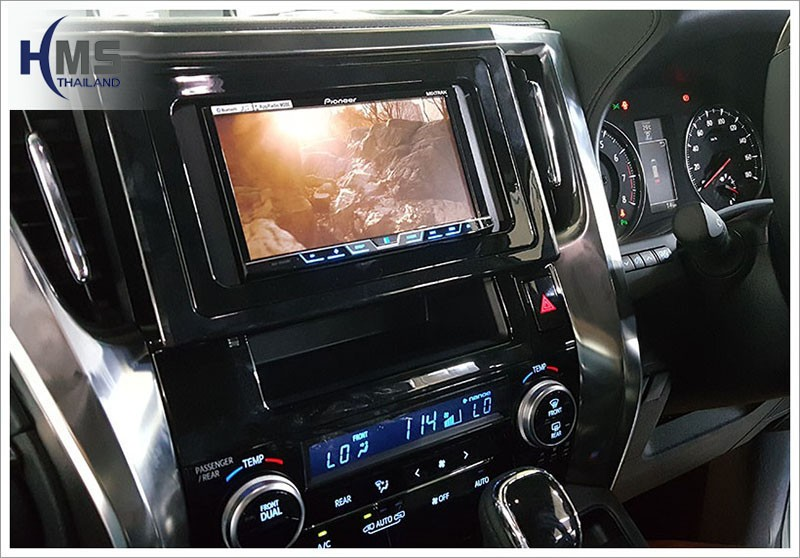 20160720 Toyota Alphard_DVD Player_Pioneer_AVH_X5850_View