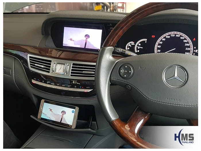20180905 Mercedes Benz S500e_W221_Wifi_Box_Youtube,การเล่นภาพยนต์จากมือถือให้ภาพไปออกที่หน้าจอของรถ Mercedes Benz S500 ผ่านกล่อง Wifi box