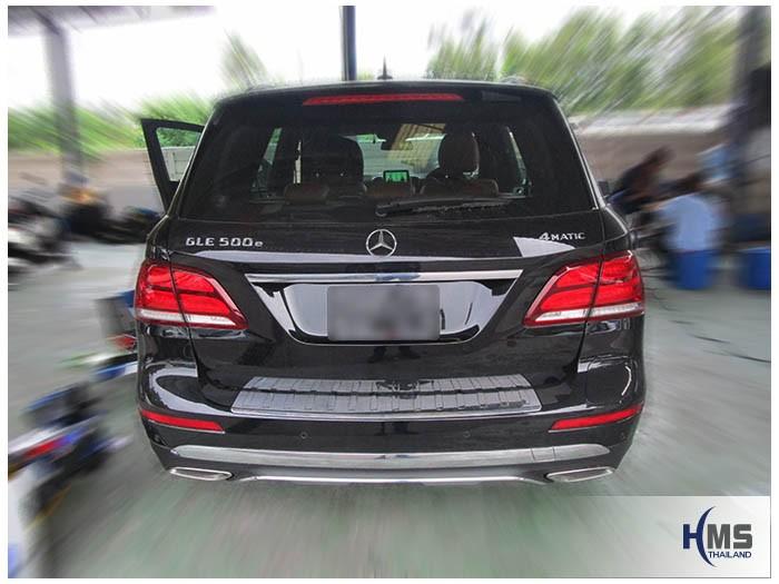 20161207 Benz GLE500e_X166_Bottom