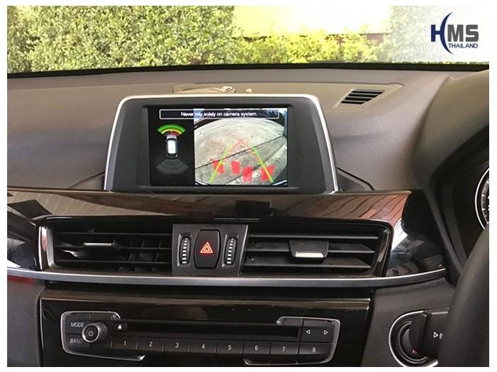 20190507 BMW X1 F48 rear camera view,ภาพจากกล้องมองหลังที่ติดตั้งเพิ่ม บนหน้าจอเดิมของรถ BMW X1 F48 โดยไม่ต้องเปลี่ยนจอของรถ