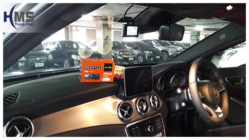 20181002 กล้องติดรถยนต์ Mio MiVue 792 บน  Mercedes Benz GLA250 W156