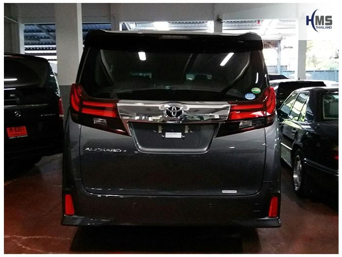 20170831 Toyota Alphard_back