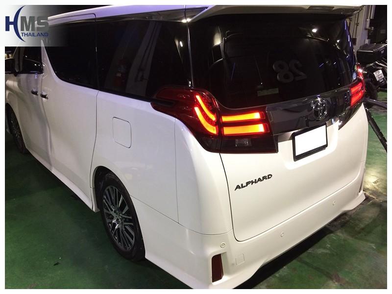 20181008 Toyota Alphard ด้านหลัง