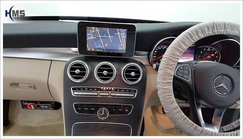 2018410 C350e SpeedNavi Navigation Box
