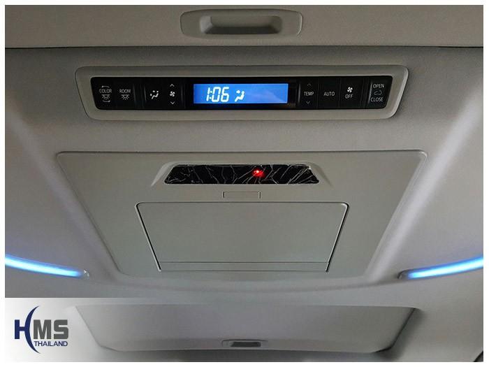 20161017 Toyota Alphard_Roof monitor_Alpine_builin_close