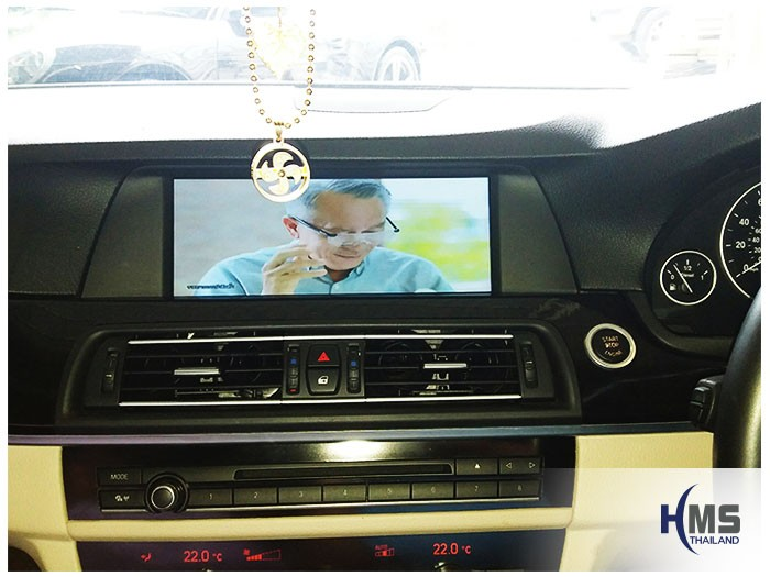 20170505 BMW 525d_F10_TV Digital_ASUKA_HR600_view,Bmw, รถบีเอ็ม, บีเอ็มดับบลิว, บีเอ็มดับเบิ้ลยู, บีเอ็มบลิว ,บีเอ็ม ,ราคาบีเอ็ม,gps, navigation, Speednavi, Map, Navigator, Automobiles, Motor show Bangkok ,Motor expo, ราคา, ใบราคา, pricelist ,มือสอง , โชว์รูม, แผนที่, จีพีเอส, นำทาง,รีวิว, ทดสอบ,เนวิเกเตอร์, ประเทศไทย,ทีวีดิจิตอล,Digital TV,ทีวี,Rear camera,จอถอยหลัง,กล้องมองหลัง,กล้องถอยหลัง,หมุนตามพวงมาลัย,PAS,Park assistant system, carplay , android auto, screen mirroring, ภาพมือถือขึ้นจอรถยนต์ ,กล้องบันทึกเหตุการณ์ ,กล้องบันทึก, กล้องติดหน้ารถ, กล้องวีดีโอ,DVR, Driving Video recorder, thinkware, Blackvue, ,carcamkorea ,กล้องวีดีโอ, test drive