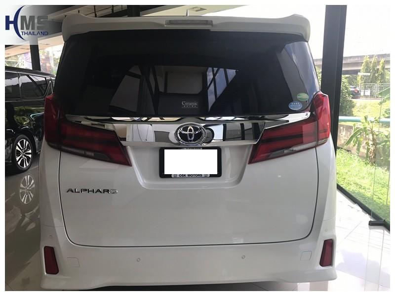 20181001 Toyota Alphard ด้านหลัง