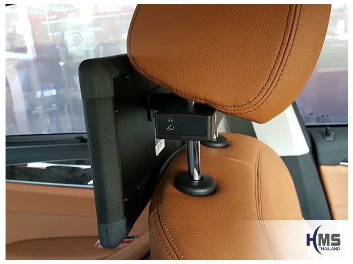 20180507 BMW 520d_F10_Rear monitor_XM10.1_jack