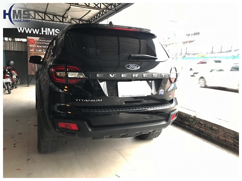 20181001 Ford Everest ด้านท้ายรถ