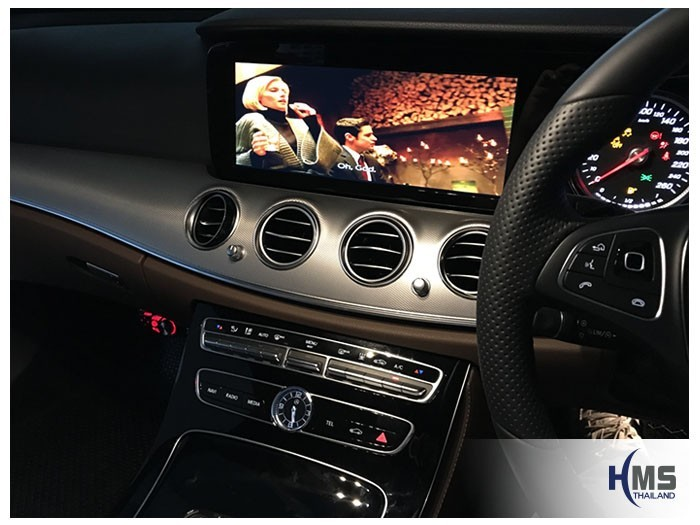 20171111 Mercedes Benz E350e W213_DVD Player_JVC_View2