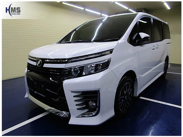 20170216 Toyota Voxy_front