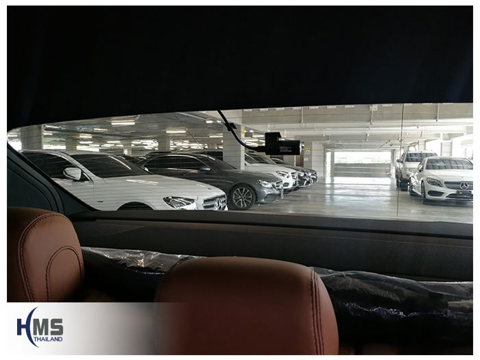 20180905 Mercedes Benz E350e W213_DVR_Thinkware_QX800_back,กล้องติดรถยนต์ Thinkware QX800 ตัวหลังติดตั้งที่กระจกท้ายรถ Mercedes Benz E350e W213