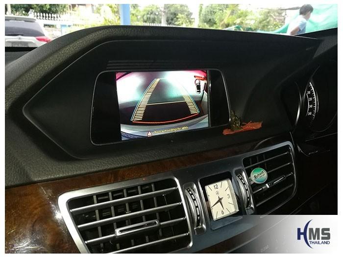 20180830 Mercedes Benz E200_W204_Rear camera_View,ภาพจากกล้องมองหลังรถ Mercedes Benz E200 W212 พร้อมเส้นนำถอยแบบเลี้ยวได้ตามพวงมาลัยรถ PAS