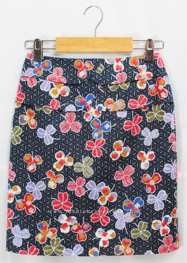 กระโปรงแฟชั่น กระโปรงทำงาน ผ้า Cotton Japan ลายดอกซากุระหลากสี พื้นน้ำเงิน ตรงเอว กระโปรงดีไซน์ระบายซ้อนกัน 2 ชั้น แบบสวยสวมใส่สบายค่ะ