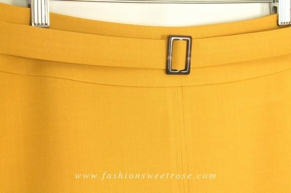 SK-458 กระโปรงทรงสอบ ผ้า Double Twist สีเหลืองทอง