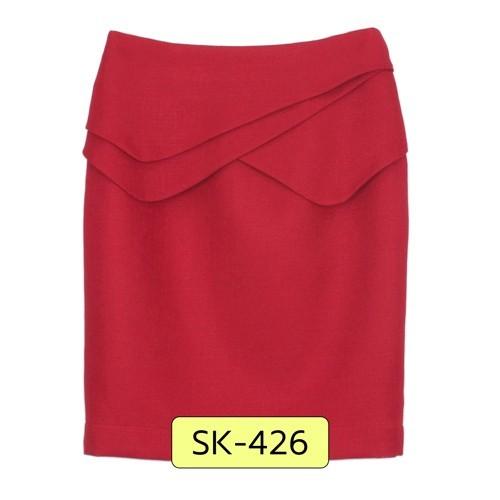 กระโปรงแฟชั่น-ทำงานทรงสอบ ผ้า CHANEL สีแดงเลือดนก ด้านหน้ากระโปรงแต่งด้วยผ้าสลับซ้อนกัน 3 ชิ้น ดีไซน์เก๋ ผ้าเนื้อดีค่ะ สวมใส่สบายมากๆค่ะ