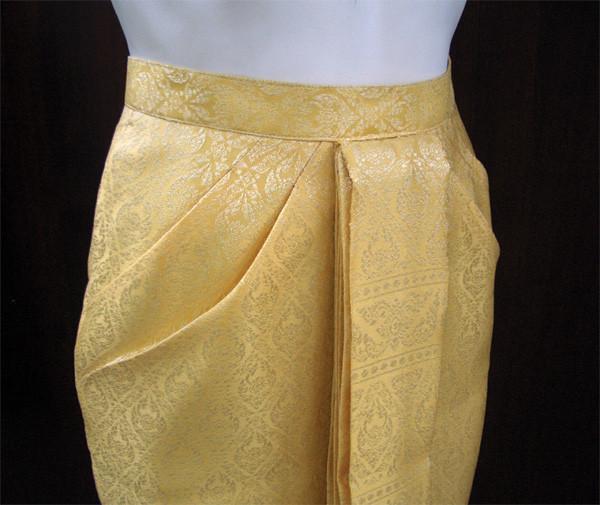 ผลงานเสื้อผ้าผู้เรียน กระโปรงชุดไทบบรมพิมาน