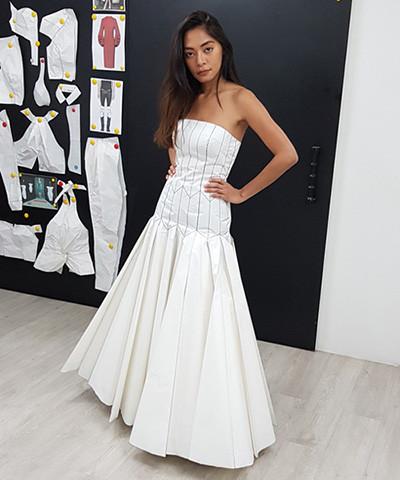 ผลงานการฝึกสร้างแบบแพทเทิร์นชุดราตรียาวเกาะอกแยกชิ้น ช่วงล่างจับจีบกระทบบานรอบตัว แบรนด์ Christian Dior Haute Couture FW2018  สร้างแพทเทิร์นโดย คุณศศวรรณ (Aom)