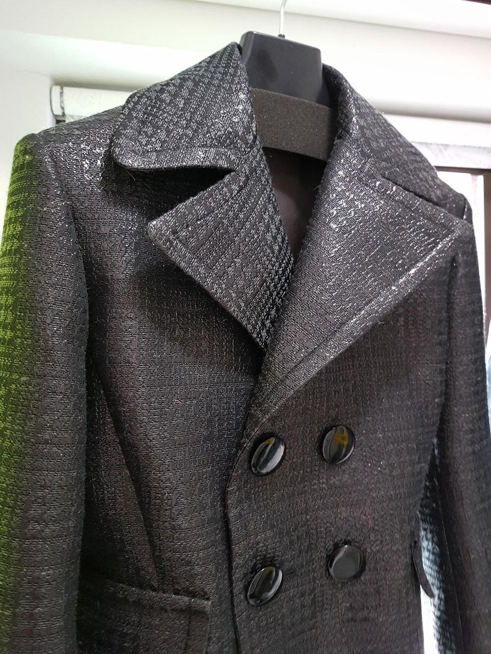 ผลงานเสื้อผ้าผู้เรียน เสื้อแจ็คเก็ตสูทป้ายบุรุษกระดุมสองแถว