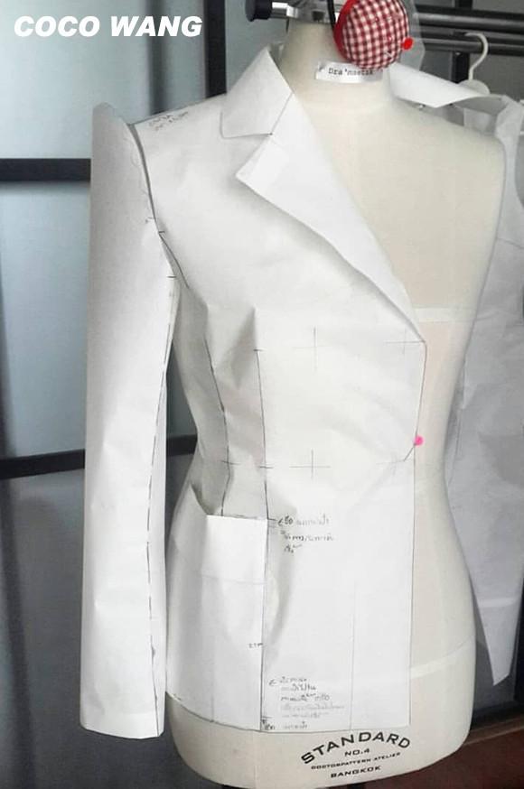 ผลงานการสร้างแพทเทิร์นคัตติ้งเสื้อแจ็คเก็ตสูทสตรีกระดุม2แถว