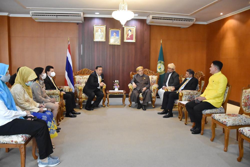 จุฬาราชมนตรีให้การต้อนรับรัฐมนตรีว่าการกระทรวงการพัฒนาสังคมและความมั่นคงของมนุษย์