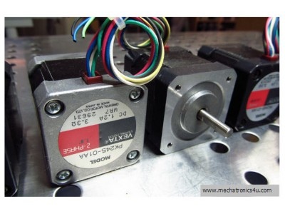 VEXTA STEPPING MOTOR PK245-01A 2 PHASE DC 1.2A