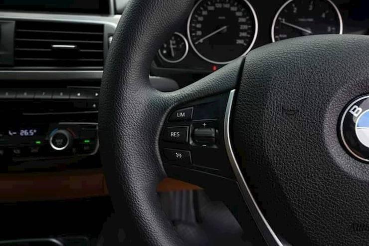 BMW 320d Luxury Year2016 Black color