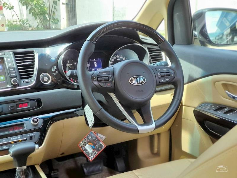 KIA Grand Carnival 2.2 Ex Year 2017
