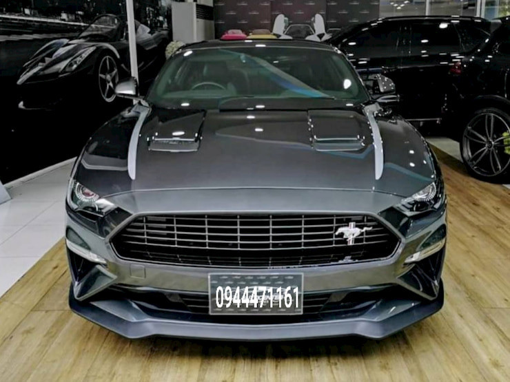 Ford Mustang Year2020 ( new car )